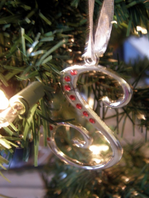 "An ""S"" ornament which my daughter was given by a friend of hers.  It's the first initial of her first name."