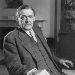How T.S Eliot's Poetry Explores the Relationship Between Individuals and Their World
