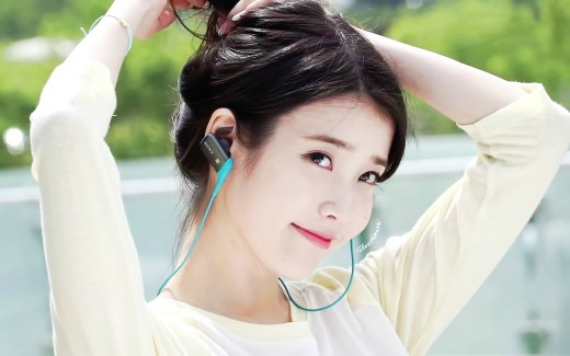 Top 10 most beautiful and popular kpop girl 2016 2017 spinditty shes cute pretty and of course talented known as koreas little sister iu became one of the most popular kpop girl icon after the huge success of voltagebd Choice Image