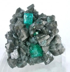 What is the chemical formula for emerald?