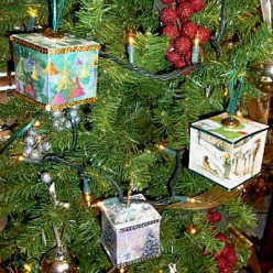 Make Heirloom Cube Tree Ornaments Using Old Greeting Cards