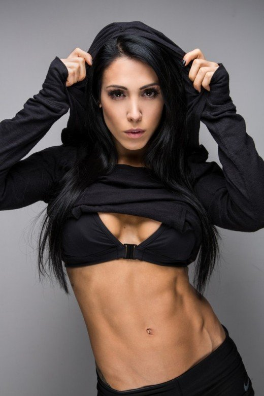 Brazilian fitness model Bella Falconi