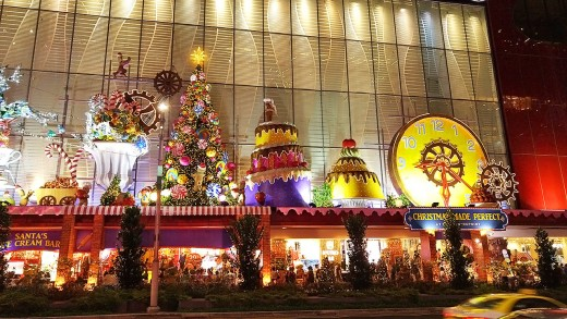 There is an annual competition for the best decorated mall. The Centrepoint is famous for winning for several years.