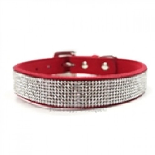 It will be easy for the other dogs or cats to see that you are a VIP with this collar!