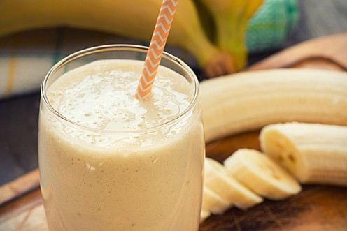 Banana and honey can be key ingredients to making a healthy smoothie for toddlers.