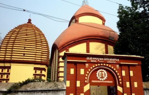 The 'Aatchala' temple of Nandadulal Jiu; Gurap with the 'Rekh Deul' type 'Dol Mancha'