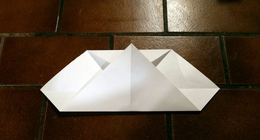 So far, both the top and bottom of your diamond should be folded like this. How is your origami heart coming along?