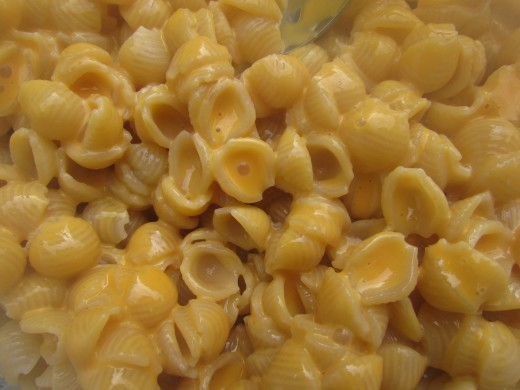 Creamy macaroni and cheese (does it get any better than this?)