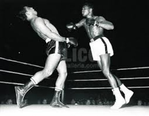 Muhammad Ali fought in his pro debut in boxing against Tunney Hunsaker, winning a unanimous decision.