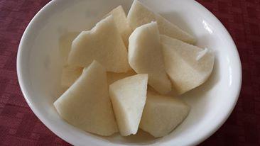 Peeled jicama