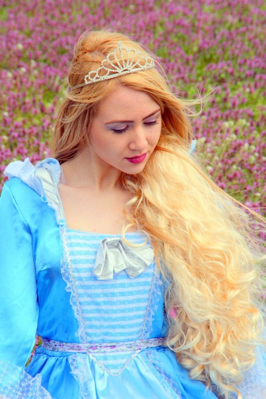 Dress up as a princess and get paid to make little girls' Birthday party wishes come true!