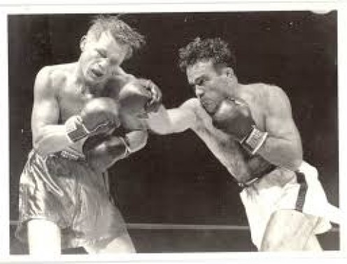 Marcel Cerdan stopped Tony Zale in 11 rounds to win the world middleweight chamionship.