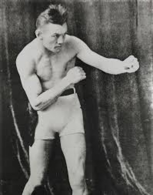 Eugene Criqui knocked out Johnny Kilbane in 6 rounds to win the world featherweight title.