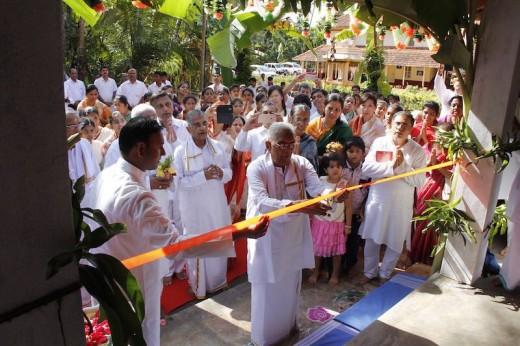 The then Chairman of Sri Sathya Sai Loka Seva Trust, Sri U Gangadhar Bhat accorded utmost respect