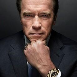 Arnie hits back at Trump