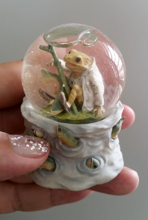 Luv looking at it. So cute  and so lost in its own bubble of time.
