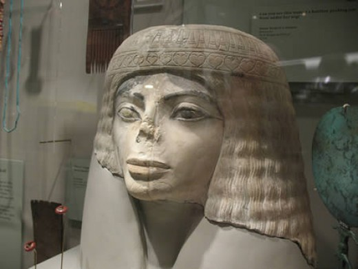 Flickr user mandalariangirl took a photo of this ancient Egyptian female sculpture picture in the Field Museum in Chicago. She speculates if Michael Jackson got some ideas for his plastic surgeries.
