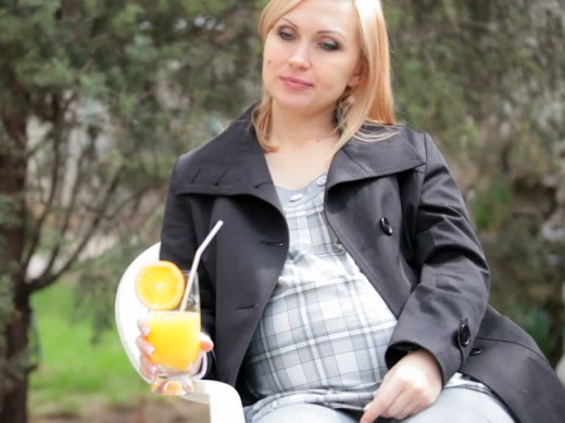Oranges boost the immune system of pregnant women and their unborn babies.