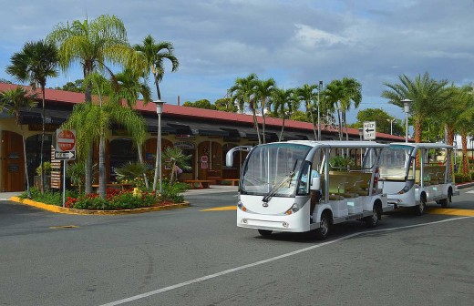 Free trams carry passengers around the Havensight Mall. Taxis to Charlotte Amalie are cheap. © 2017 Scott Bateman