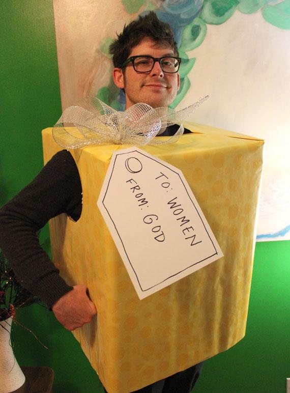 Gods gift to women costume idea diy box costume ideas for halloween gods gift to women costume idea diy box costume ideas for halloween hubpages solutioingenieria Images