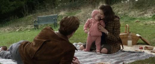 Max Vatan (Brad Pitt), Marianne Beausejour (Marion Cotillard), and their daughter Anna.