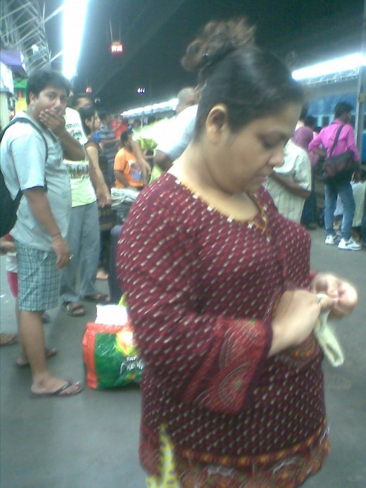 Papu at Howrah station