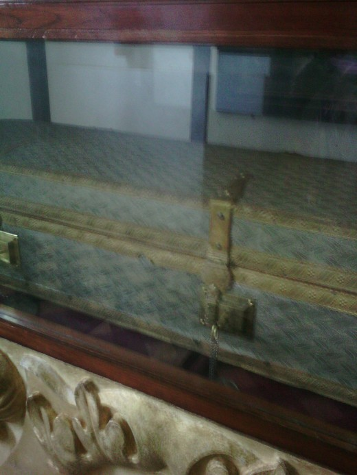 St. Francis Xavier's dead body lying inside this coffin