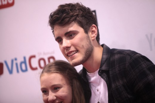Pointless Blog - Alfie Deyes - internet personality star - with a net worth averaged at £2.9 million