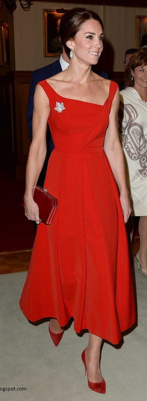 Kate Middleton always knows how to look great when she steps out at night.