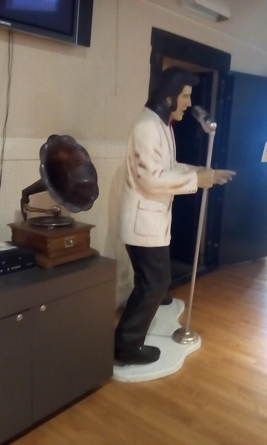 Diorama of Elvis Presley