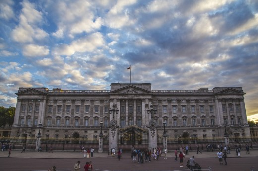 London is home to the British royal family and the official residence of the queen.  It is located in central London and used for hospitality for visiting international guests and dignitaries.  The working palace has 775 rooms.