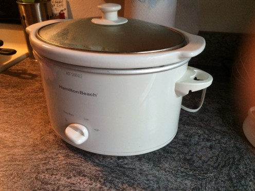 This is a 6 quart (small) standard edition Hamilton Beach Crock Pot. A good starter pot to have.