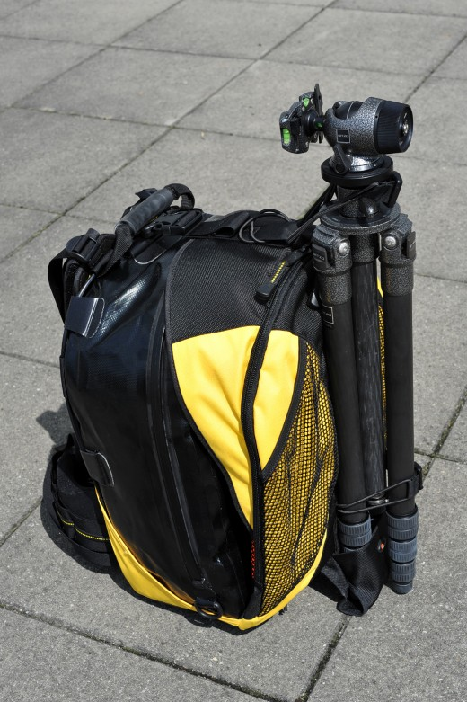 Lowepro camera backpack DryZone 200