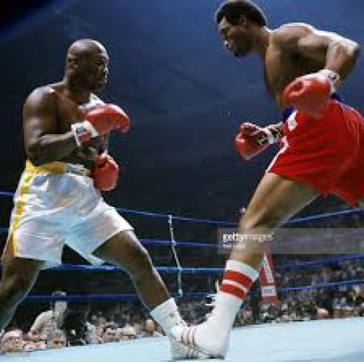 Joe Frazier reall tried his best but he could not avoid Foreman's jabs, right hands and damaging uppercuts.