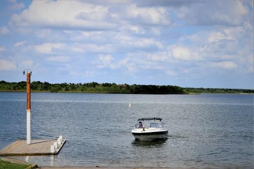 Walter e long metropolitan park lake austin tx fishing for Fishing spots in austin