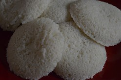 Breakfast Foods: Black Gram Dehusked (Urad) And Rice Semolina Idli Recipe
