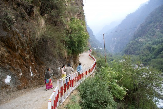 The road to Yamunotri