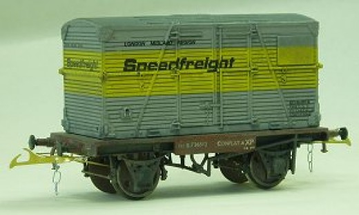 Here's a Speedfreight container on a Conflat assembled by Stephen Siddle, DOGA Treaurer and member of The Model Railway Club based on Pentonville Road, London N1