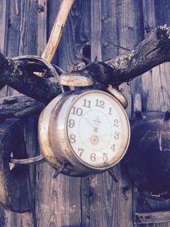 Five Tips for Decorating with Clocks