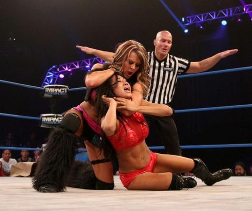 Gail Kim vs Velvet Sky in TNA