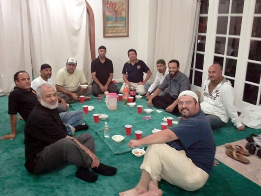 Muslims in Mexico breaking their Ramadan fast to Allah.