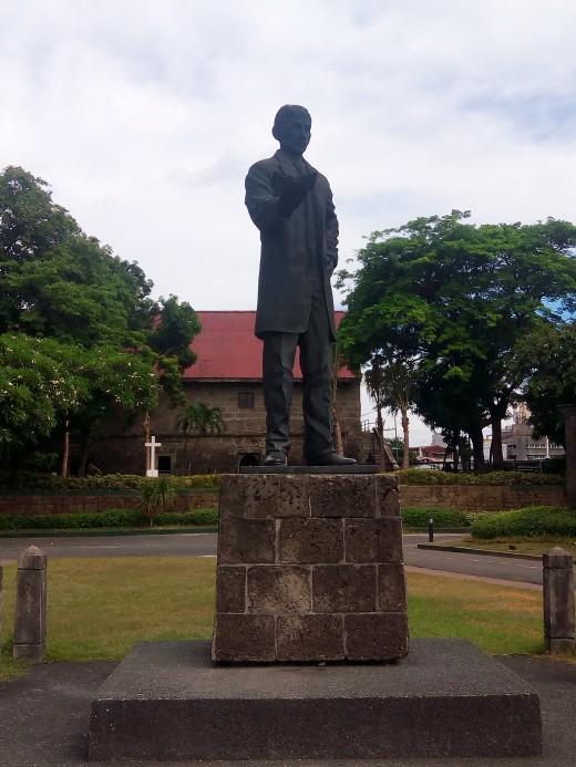 Dambanang Rizal sa Fort Santiago