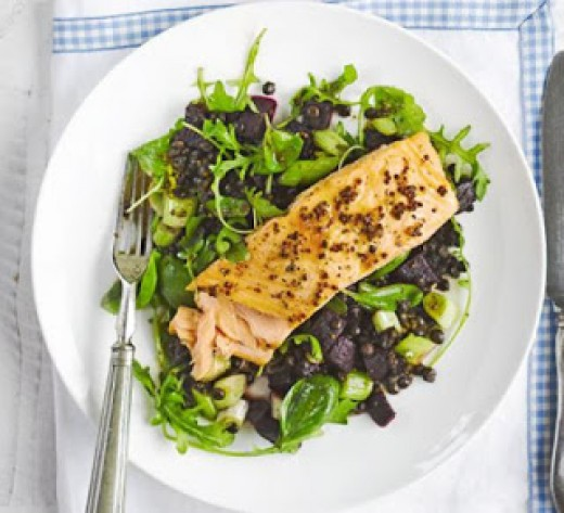 Citrus-Infused Lentil and Beetroot Salad with Salmon and salad leaves