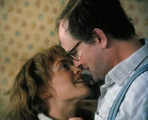 Kate Winslet and Hugh Bonneville in Iris (2001)