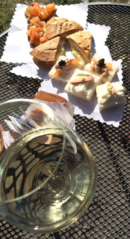Classic Aperitivo with dry white wine.