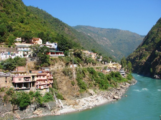 Rudraprayag, at the confluence of the rivers Akakananda & Mandakini.