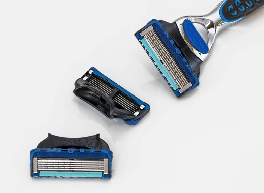 This is what your razor should look like. The blue moisturizing strips should not be frayed or missing from any area. The blades should be free of old hair, skin, and dried shaving cream. Make sure you wash your razor often while shaving.