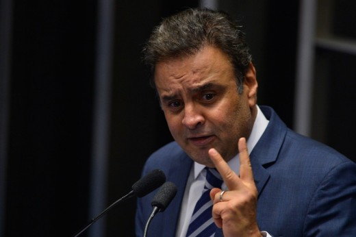 Photo of the day of the expulsion of Aécio neves.
