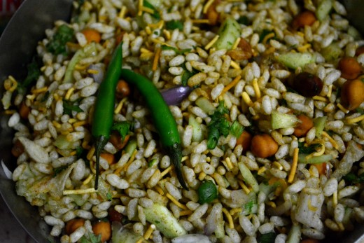 Commonly known as jhal muri in Bengali