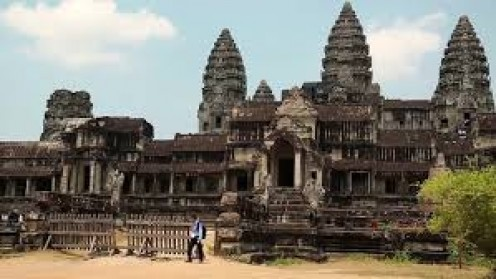 Angkor Wat is beautiful and it's the biggest religious building on earth.